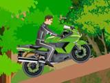 Езда на мотоцикле по лесу